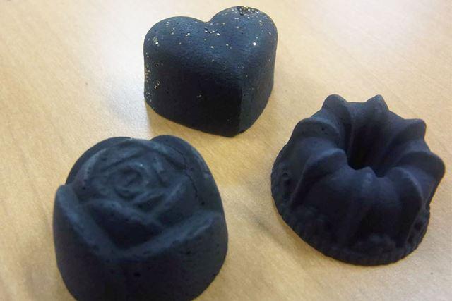 セラミック炭を成形しているので、いろんな形にできるというわけです