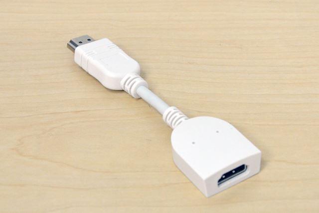 テレビによっては干渉する可能性があるため、HDMI延長ケーブルも標準で付属する
