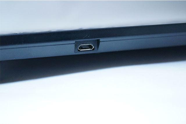 microUSBで充電可能なため、完全ワイヤレスで使用可能