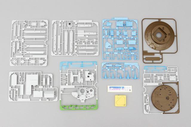 箱の中身です。ランナーの枚数は8枚。シールとLEDユニットが付属しています