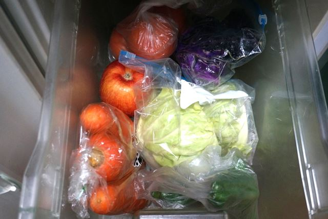 普段の野菜室。ぐちゃぐちゃ…
