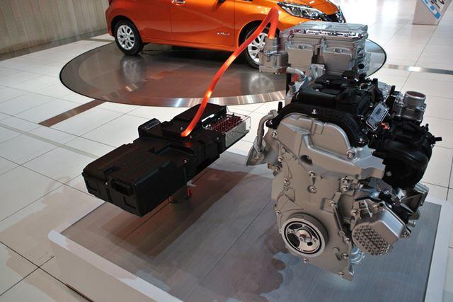 シリーズ方式のハイブリッドは、モーターだけで駆動する。エンジンは発電だけを受け持つ