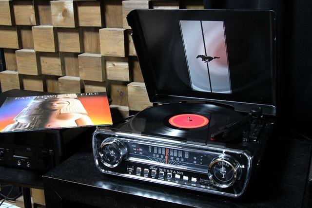 ION Audio「Mustang LP BK」