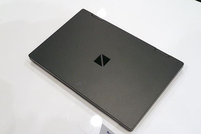 NECダイレクトオリジナルのパールブラックモデル