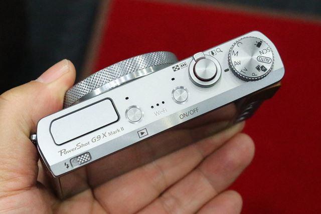 奥行31.3mmのポケットに入る薄型ボディ