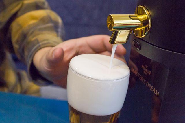 クリーミーな泡によってビール度が格段にアップする。これはすごい。驚きの連続だ