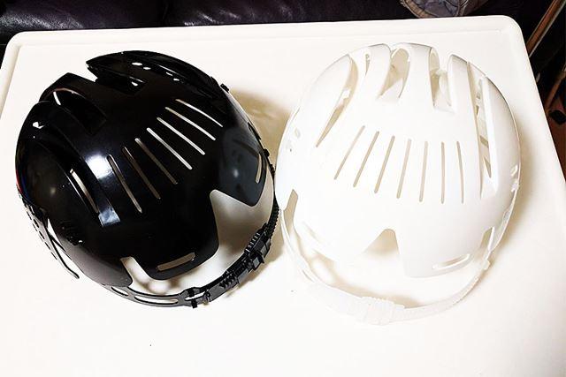 色は白と黒の2種類