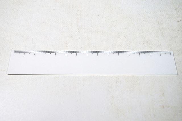 15cmサイズの本体。ほんとに真っ白!