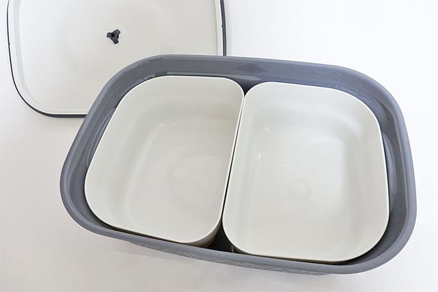 別売の「インナーカップ」(2個1組)をセット。筆者は小麦粉などの粉類を袋ごと整理して保存するのに使用中