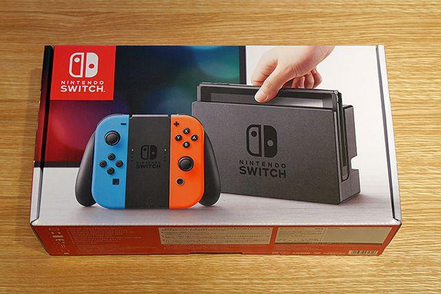 パッケージはNintendo Switchのロゴマークと同じ赤が基調。Wii Uよりもコンパクトになっていました