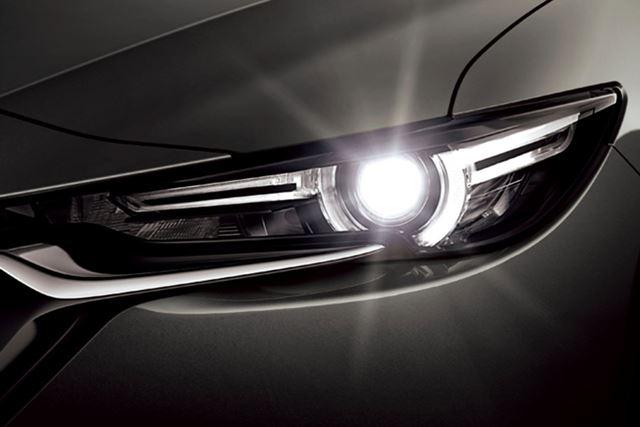 12分割のLEDブロックを使う「アダプティブLEDヘッドライト」を採用。対向車を眩惑せずに視界を確保できる