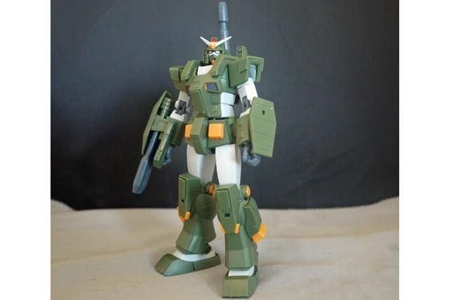 オリーブグリーンの重装甲! フルアーマーガンダムです