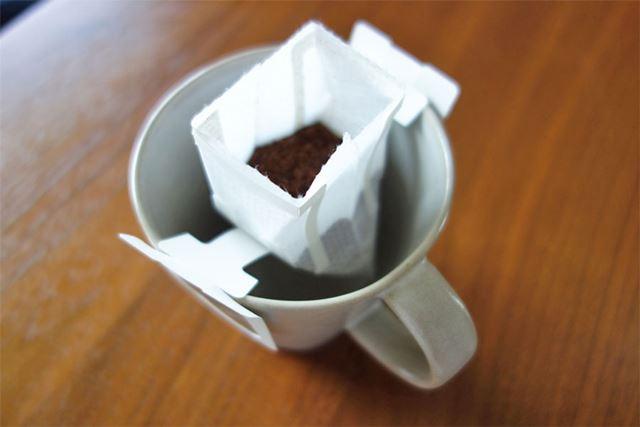 安いドリップコーヒーですが…。いつか高いコーヒーを日常的に飲めるくらい稼いでやる!