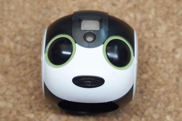 まずは頭を作ってみました。目のシールは話を聞いているときのグリーンを選びました
